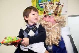 Roberto Verino inaugura la Semana de la Moda.La felicidad de los niños laracheses era más que evidente.