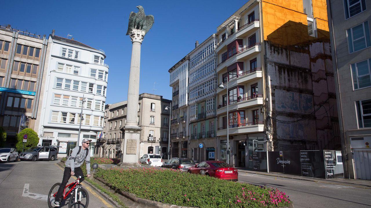 El monumento de Santo Domingo, con el águila sobre una columna, recuerda el origen romano de Lugo