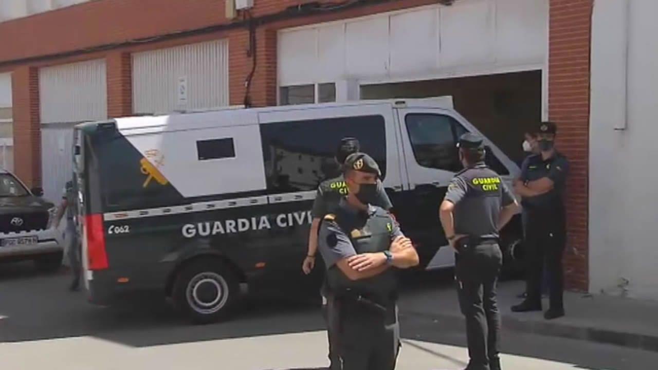 El exnovio de Rocío confiesa que la mató y la descuartizó.Representantes de todos los grupos del Ayuntamiento de Santiago en la concentración celebrada este viernes contra la violencia machista