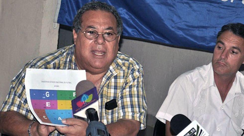 Julio rocha, a la izquierda, expresidente de la Federación nicaragüense de fútbol y funcionario de la FIFA, otro de los arrestados.