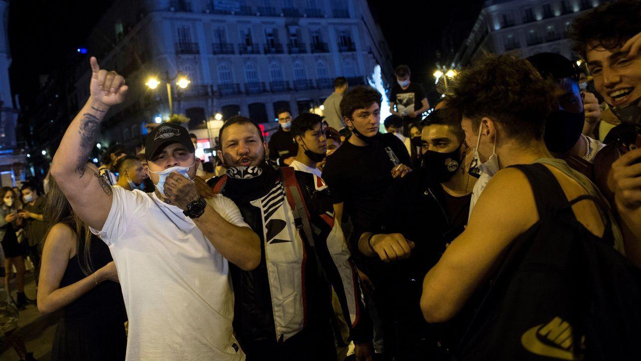 Tenso «debate» en la comparecencia conjunta del Gobierno y el ayuntamiento de Madrid.Ambiente en la Puerta del Sol de Madrid