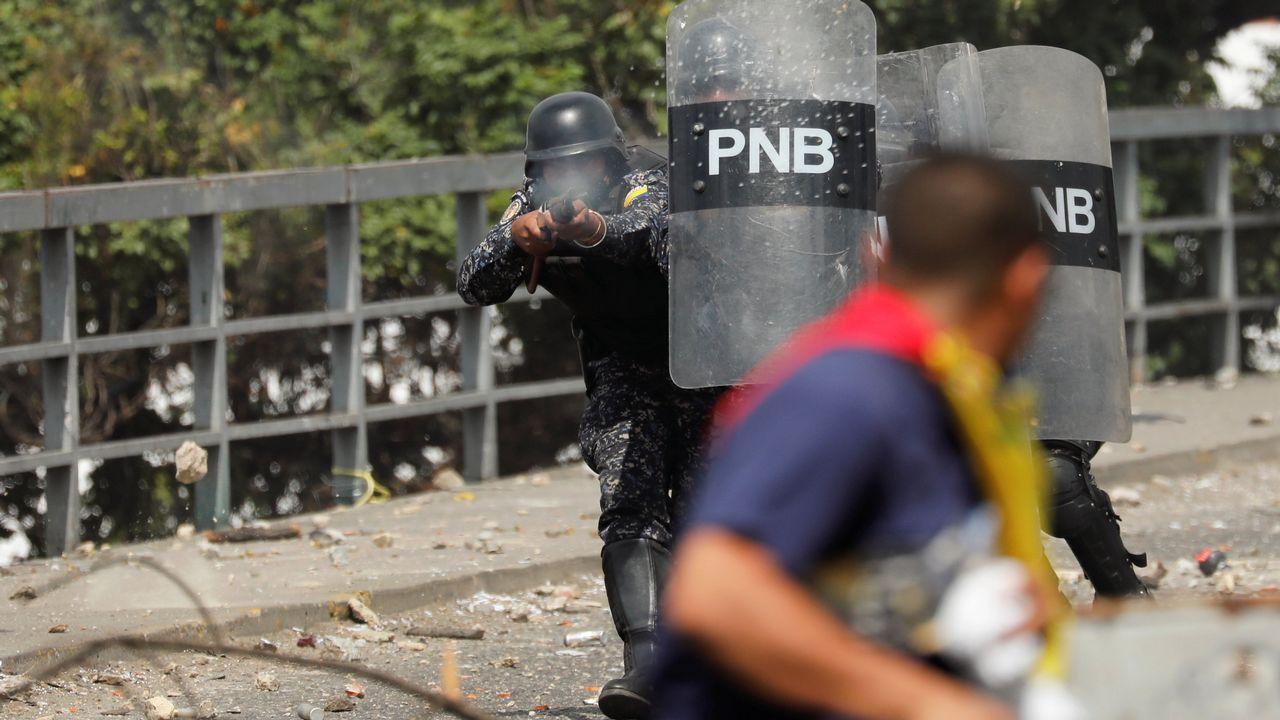 Máxima tensión en Venezuela tras proclamarse Guaidó presidente.Juan Guaidó, durante su jura como presidente interino de Venezuela