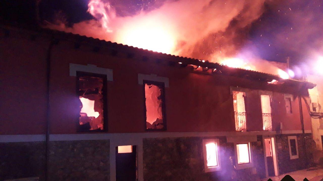 Fuego en una vivienda, en Aller