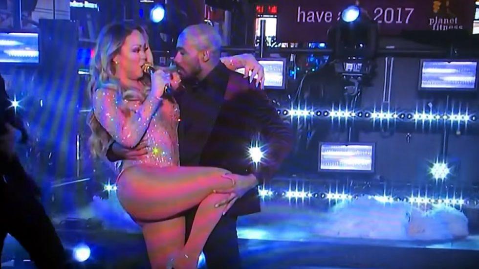 Mariah Carey la lía en la fiesta de año nuevo.Ángela Ponce desfilando en traje de noche en Bangkok