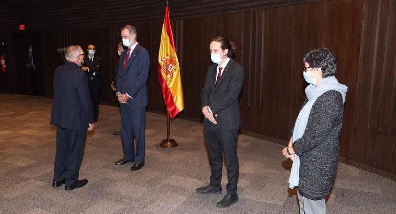 Pedro Sánchez comunica los cambios en el Gobierno.Felipe VI, con Pablo Iglesias y Arancha González Laya con la colectividad española en Bolivia