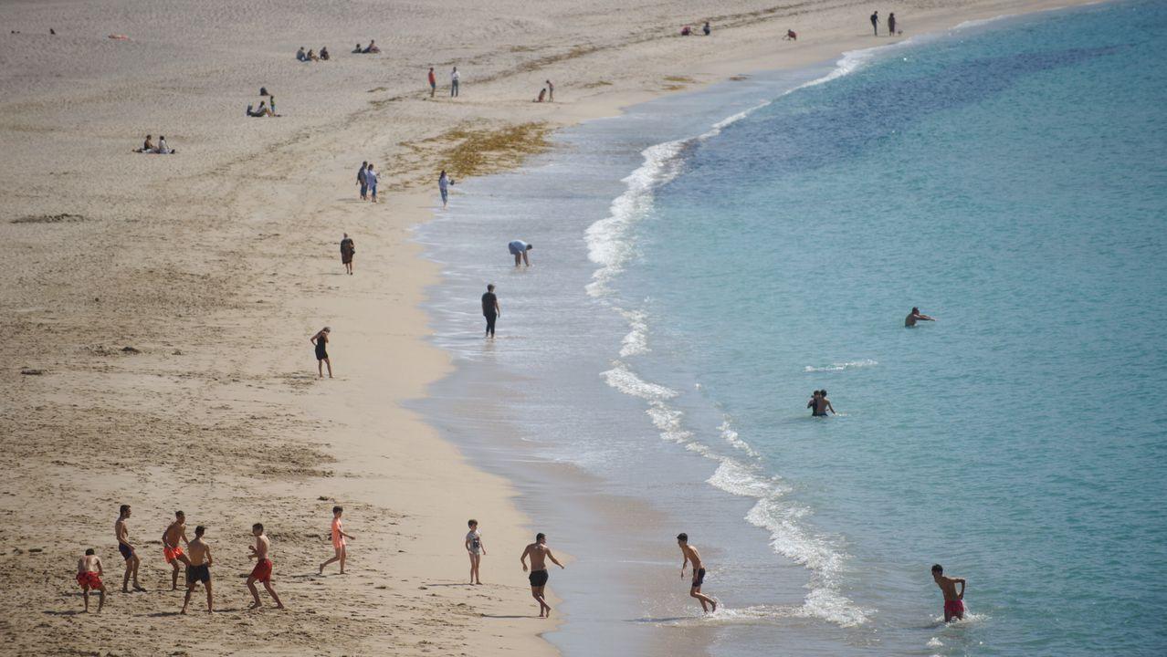 Vista de la playa del Orzán esta tarde