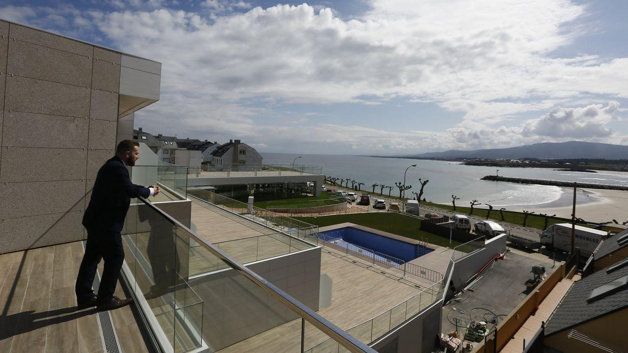 Visita al castro de Subidá.Espléndida vista desde el hotel a la playa de A Rapadoira y a la ría de Foz