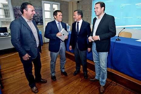 Piñeiro, Rodríguez, Hernández y Cubela, ayer, en la sede.