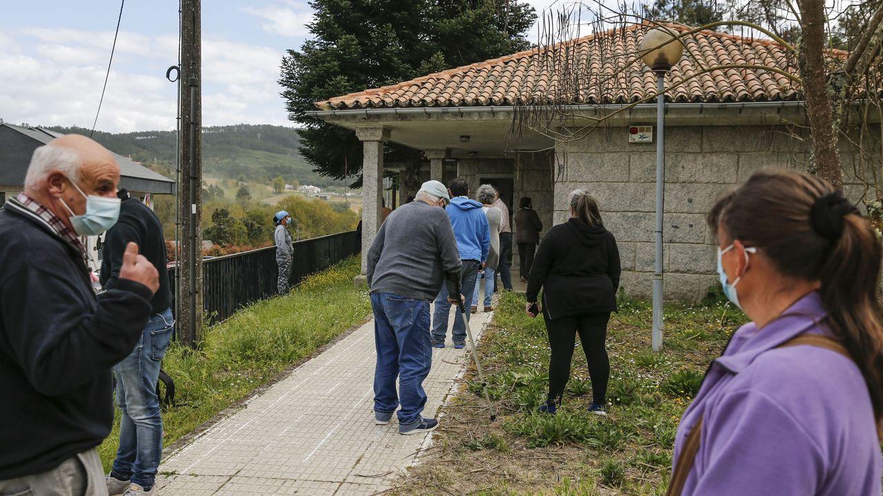 Vacunación masiva en Vigo.Pruebas de cribado en el centro de salud de Beade