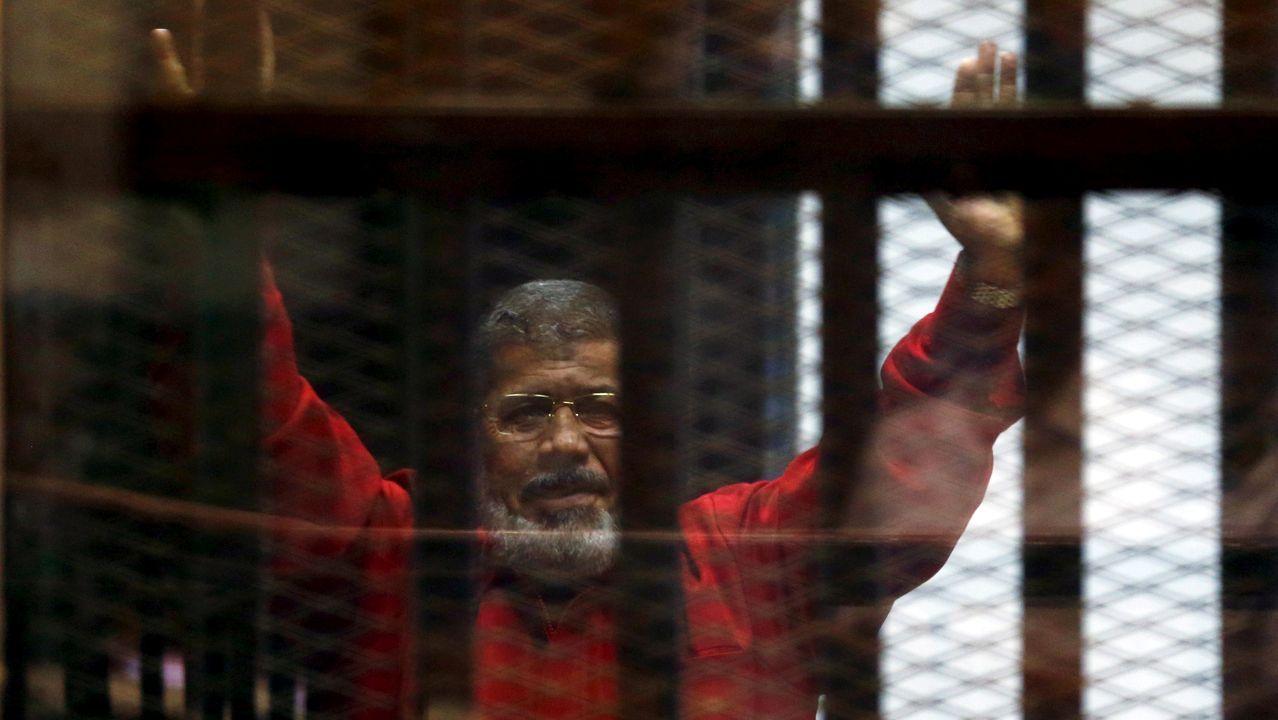 Mohamed Mursi, durante una vista judicial en el 2015