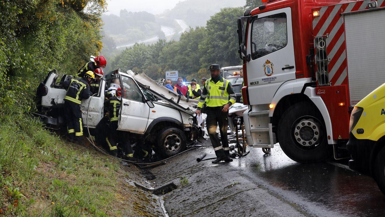 Accidentegraveen la carretera LU-540 a su paso por Muras.Subasta de ganado en Adai