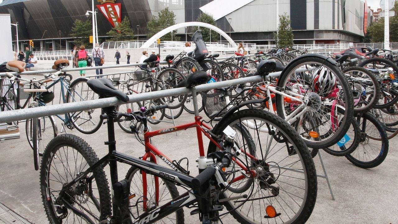 Bicicletas en el aparcamiento habilitado en la Feria de Muestras