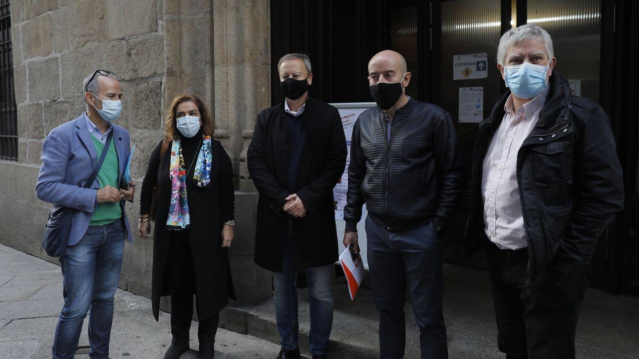 Segunda sesión constitutiva de la comisión de investigación sobre las cajas, en enero del 2017 .Representantes de PP, PSOE, Ciudadanos y díscolos de Democracia Ourensana asistieron a la reunión