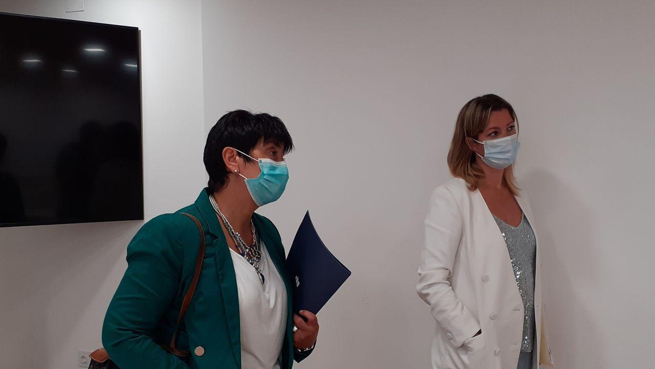 Lara Méndez y Olga López, durante una rueda de prensa esta mañana
