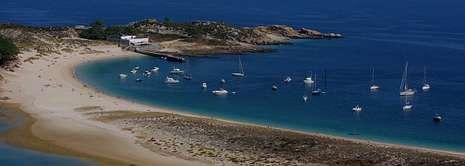 Playa de Rodas, en las Cíes, una de las más espectaculares de Galicia.