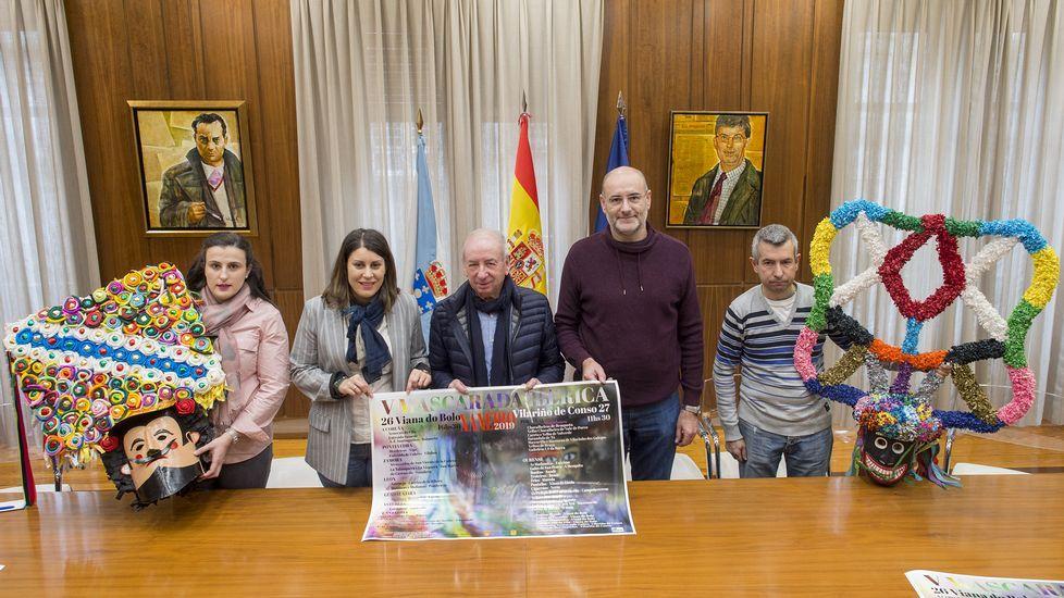 Sustitución de la placa de la calle 19 de Julio, en el centro de Oviedo, en aplicación de la ley de Memoria Histórica por parte del Ayuntamiento de Oviedo