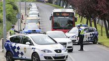 Control de la Policía Local en la ronda do Carme durante el estado de alarma
