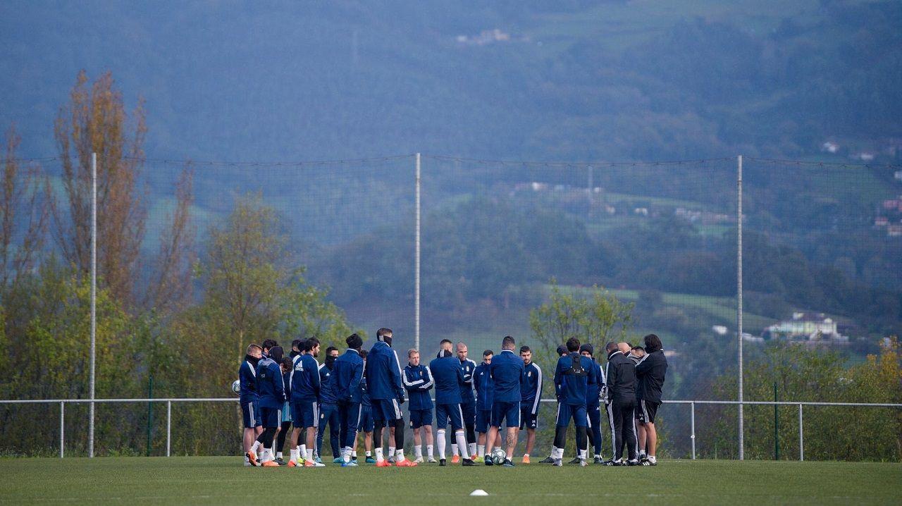 Los jugadores del Real Oviedo en las instalaciones Tensi