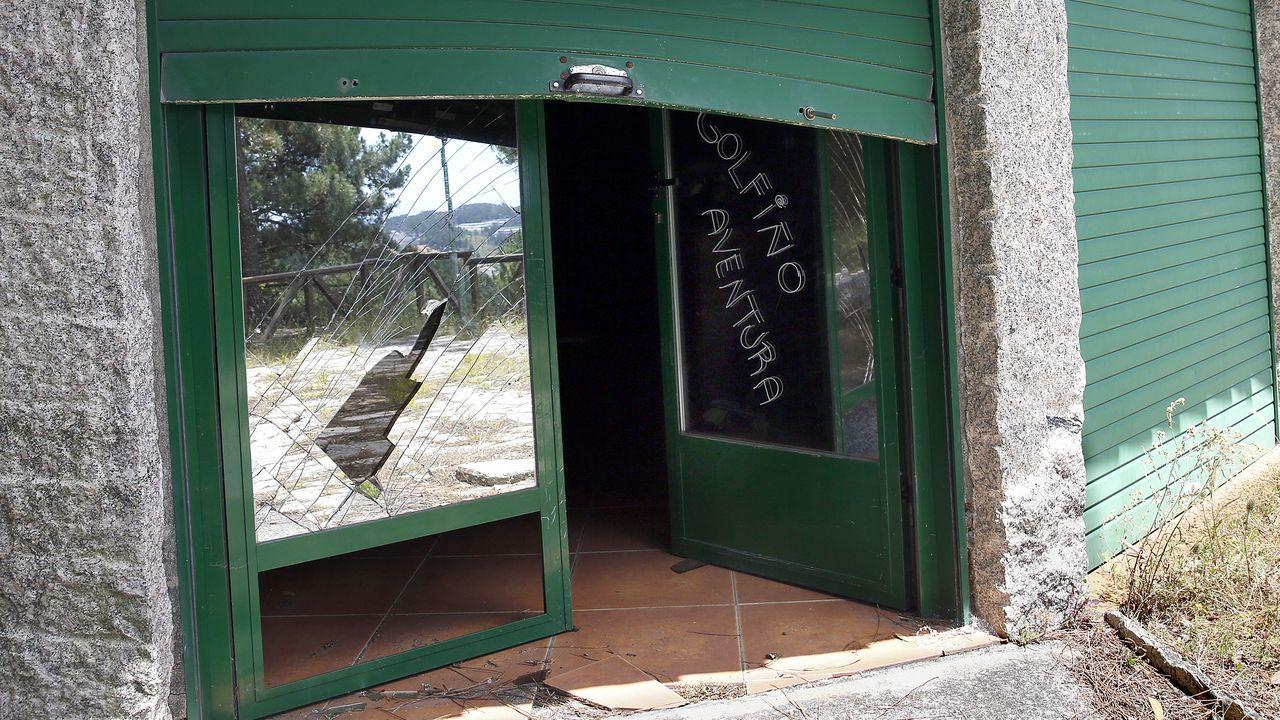 DESTROZOS Y ABANDONO EN EL PARQUE PERIURBANO DE SAN ROQUE