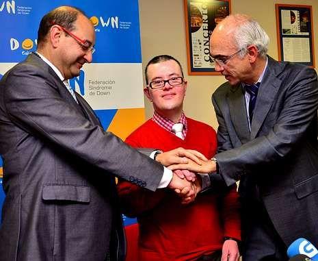 Delmiro Prieto, Juan José Castrillón y José Carlos Millán destacan el interés del convenio de colaboración.