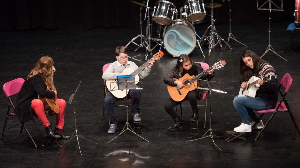 Talento local en una semana dedicada a las agrupaciones ceenses: ¡imágenes!