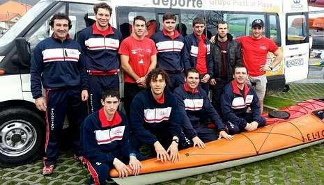 El kayak oceánico extremo también se practica en Galicia.El CP Viveiro logró la cuarta plaza por equipos en la apertura de la temporada de kayak de mar.