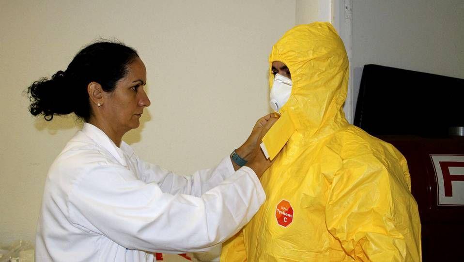 Inquietud e incógnitas en torno a su evolución.Centro de aislamiento para el ébola en el Meixoeiro