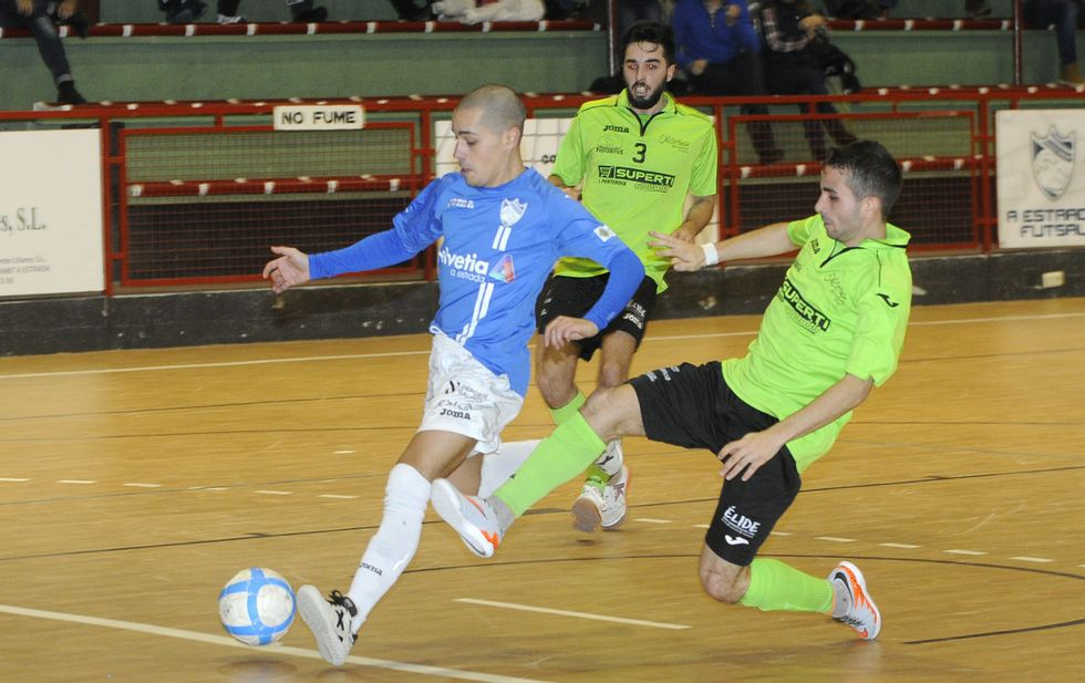 Imagen de archivo de un partido del A Estrada Futsal en el pabellón Coto Ferreiro.