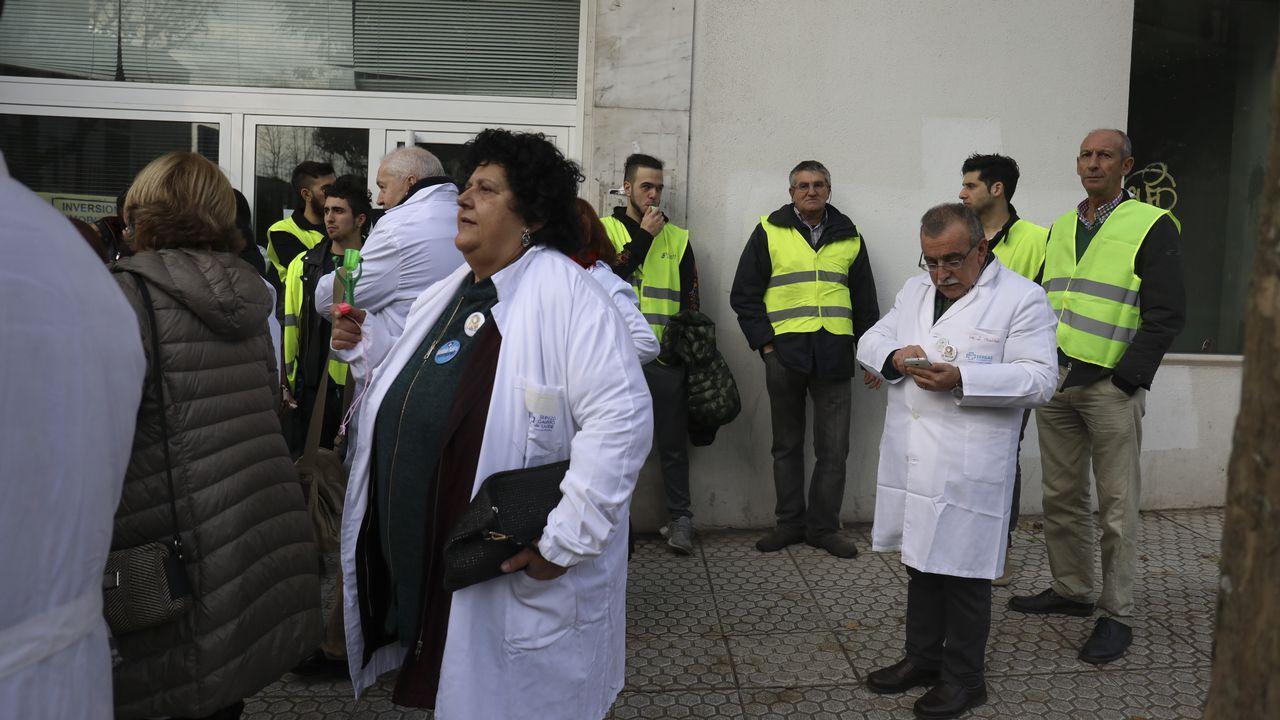 Contracomisión de sanidad para darle voz a las «vítimas» del Sergas.Presentación de la dimisión colectiva de los jefes de servicio de los centros de salud de Vigo en el Colegio de Médicos