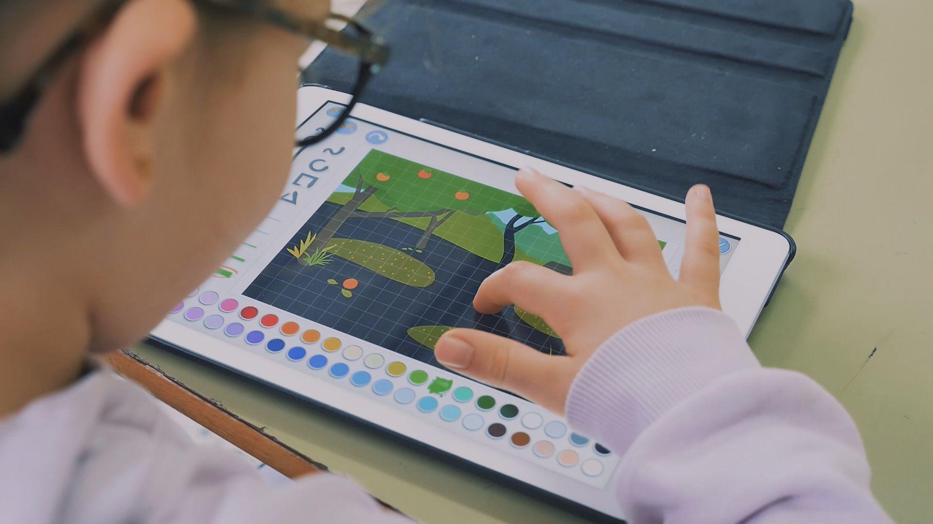 Los alumnos más pequeños ya utilizan las tablets en el aula