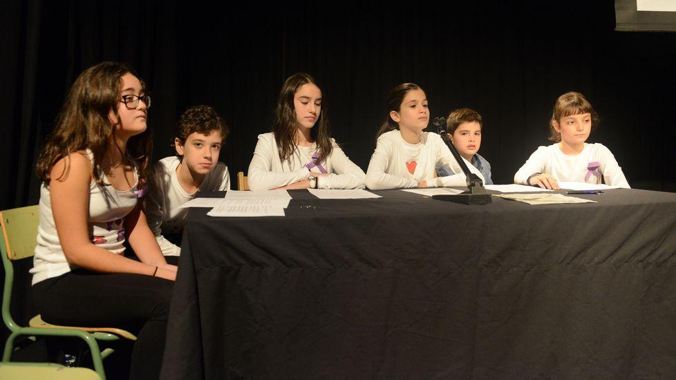 25N.En Barbadás, los alumnos de sexto de O Ruxidoiro dieron una charla sobre igualdad