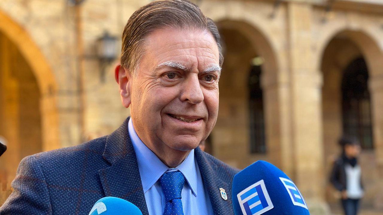 Un dron para localizar minas antipersona.Alfredo Canteli, alcalde de Oviedo