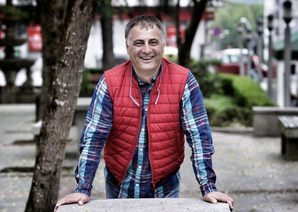 Gran seguimiento en Oviedo de la huelga contra la «reválida franquista».<span lang= gl >Álvarez Caride salienta a profesionalidade dos mestres e a súa obriga de cumprir a lei.</span>