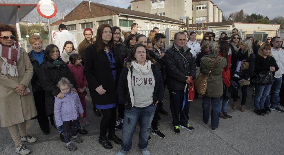 Los padres critican que Educación los haya informado tarde de la supresión de servicios.