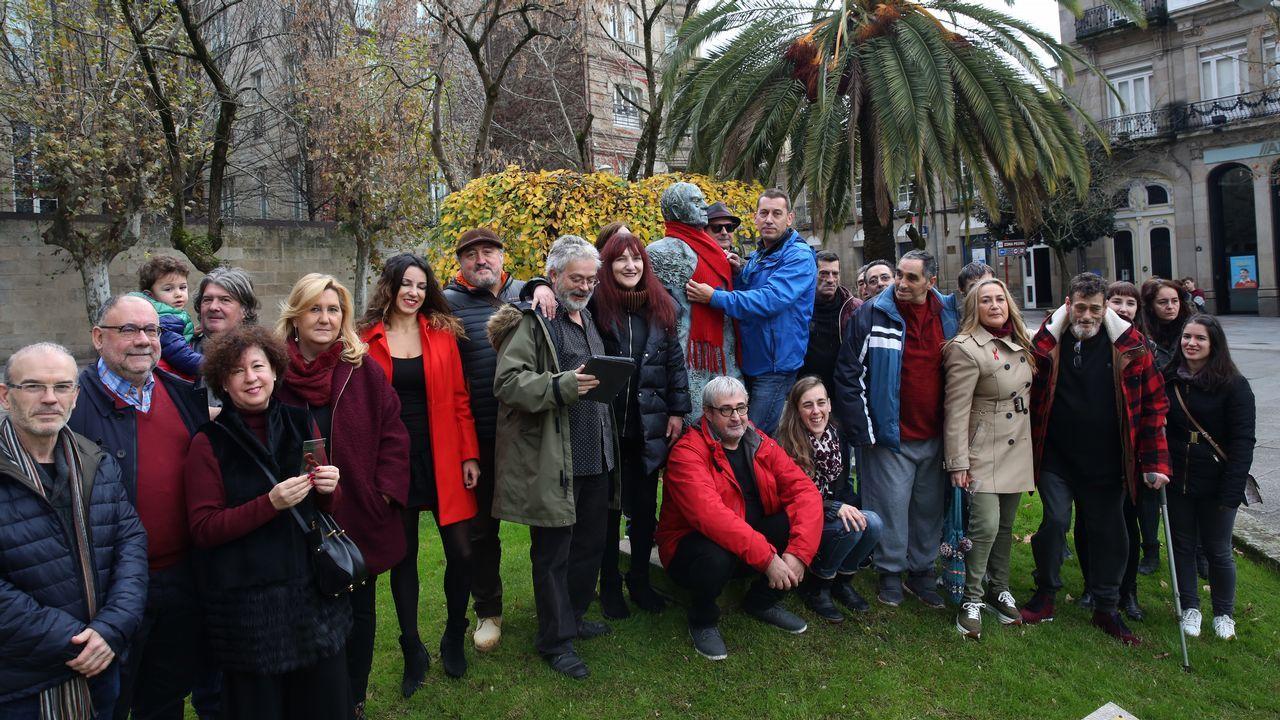 ¡Búscate entre las más de 100 fotos de la cena organizada por Renacer en Ribeira!.Pleno del Ayuntamiento de Oviedo