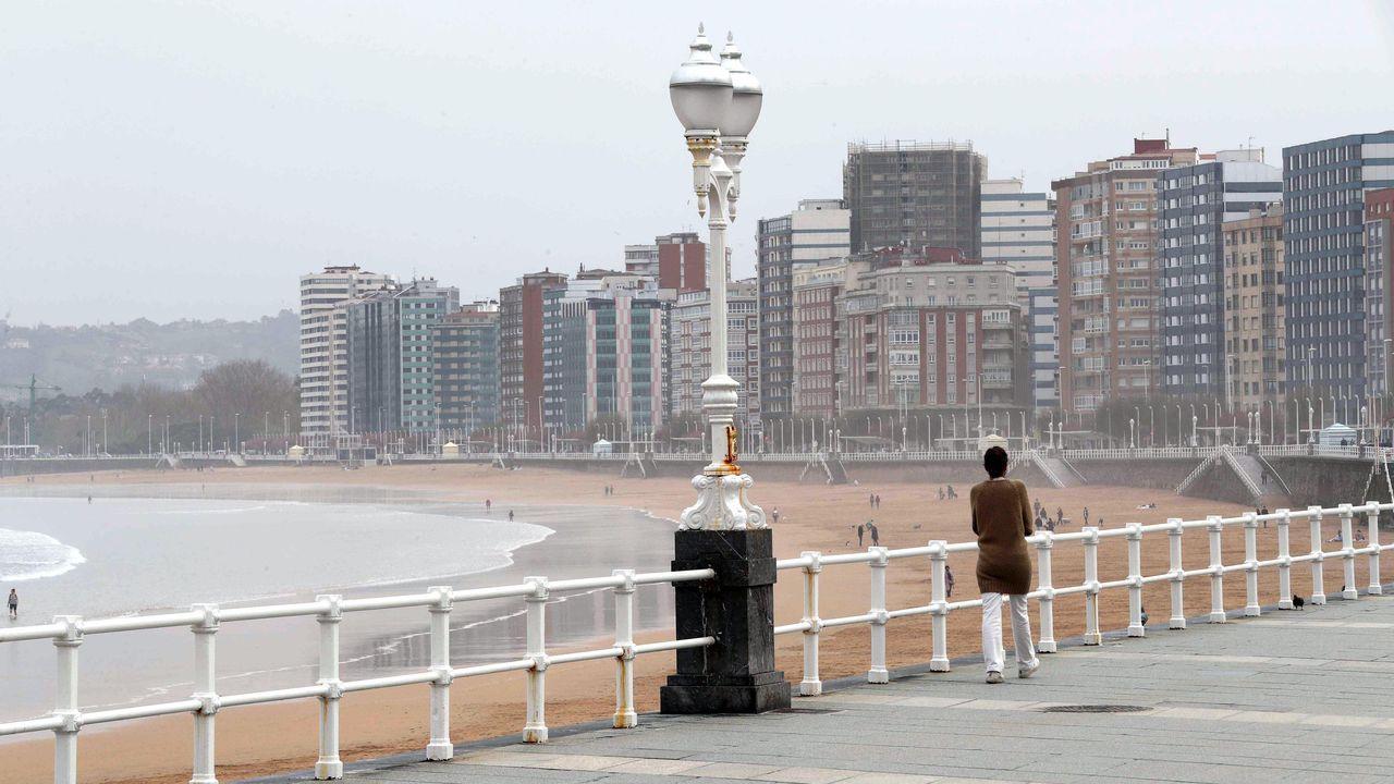 El paseo de San Lorenzo en Gijón
