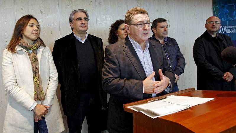Llegada triunfal de Feijoo al comité de dirección del PP gallego.Feijoo, Alfonso Rueda y Pedro Puy