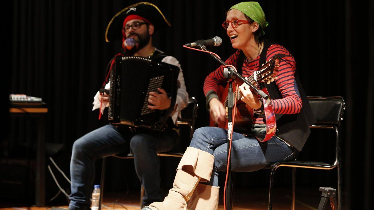 Gloria Mosquera, vocalista de Mamá Cabra, actuará co acordeonista Diego Maceiras