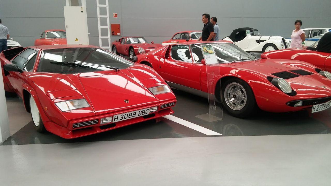 Lamborghini Countach (año 1978) y Lamborghini Miura (1968)