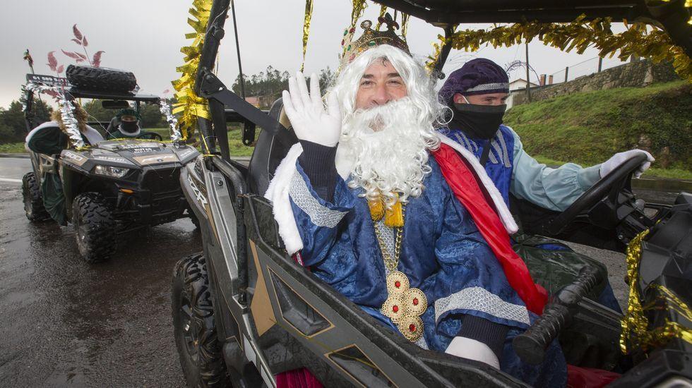 Los Reyes, en buggy por parroquias de Vimianzo