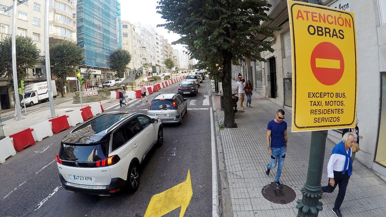 Vigo vuelve al cole sin problemas con las obras y el tráfico.Imagen de archivo en una concentración sobre la gestión del cheque social