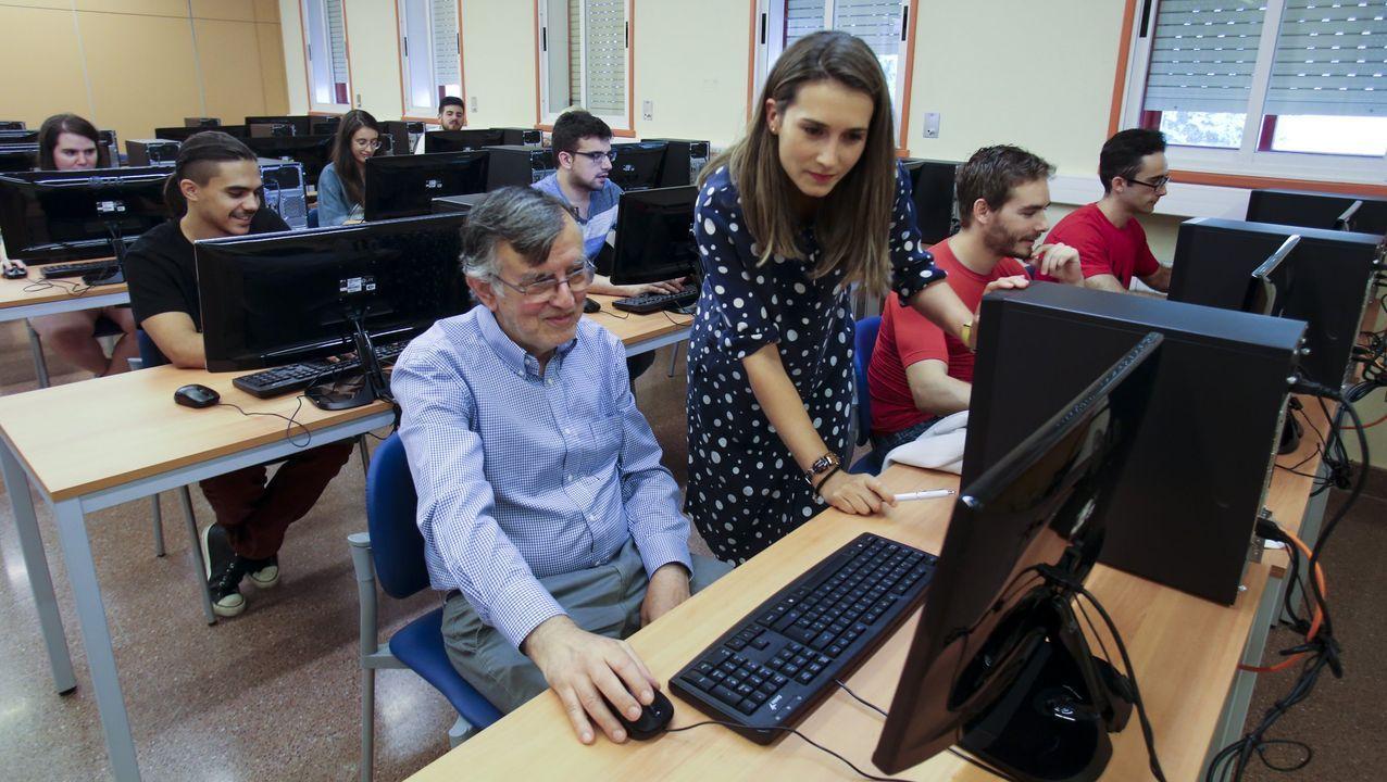 En la imagen, alumnos del máster en Videojuegos que se imparte en la Politécnica Superior de Esteiro