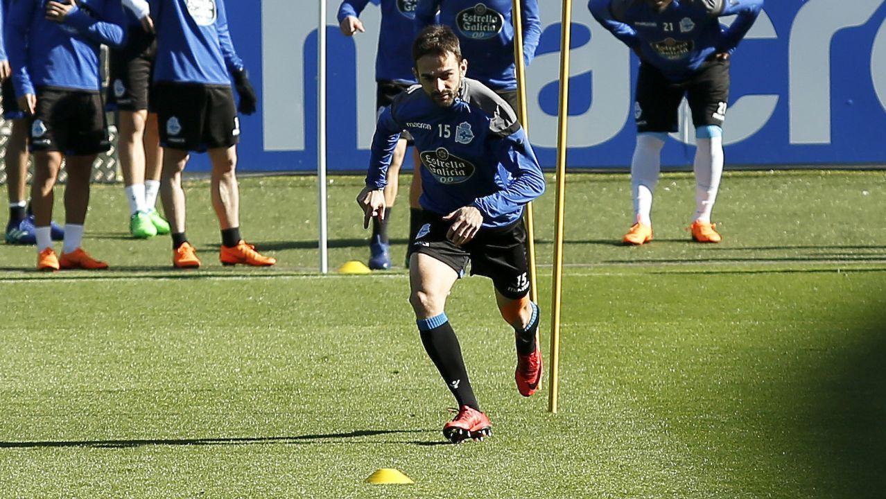 El Valencia - Dépor en imágenes.Los jugadores del Madrid se trasladaron a la Cibeles en autocar descapotable