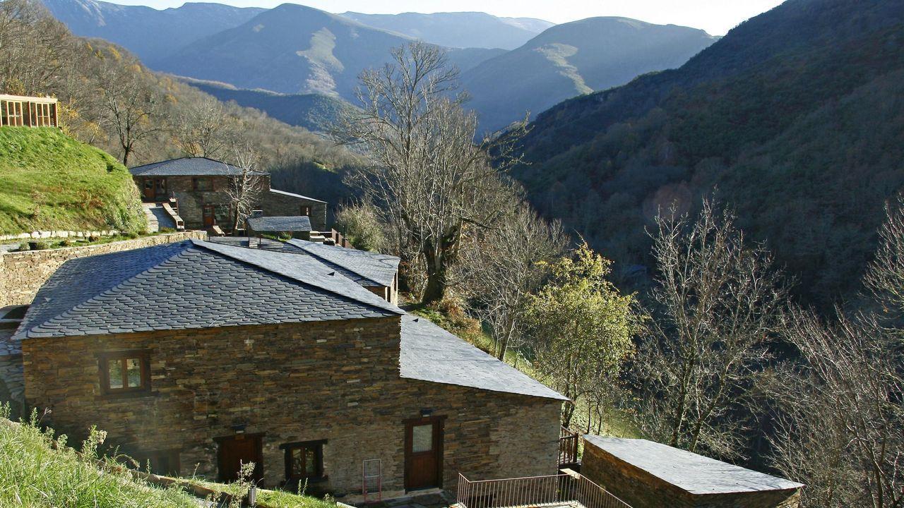 Conjunto de alojamientos rurales Aldea do Mazo, que está recibiendo peticiones de reservas para los meses de julio y agosto