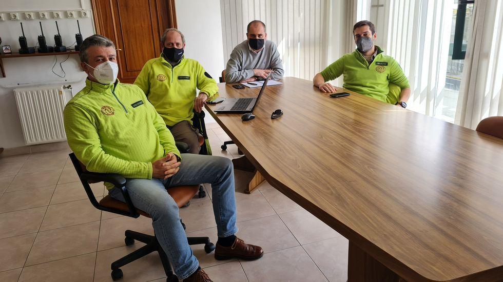El alcalde de O Incio, en su reunión con los representantes de la empresa Greloland