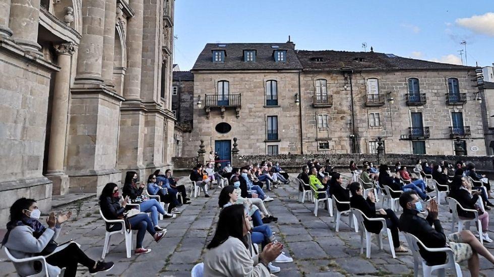 Público nunha actividade cultural organizada pola USC en Lugo