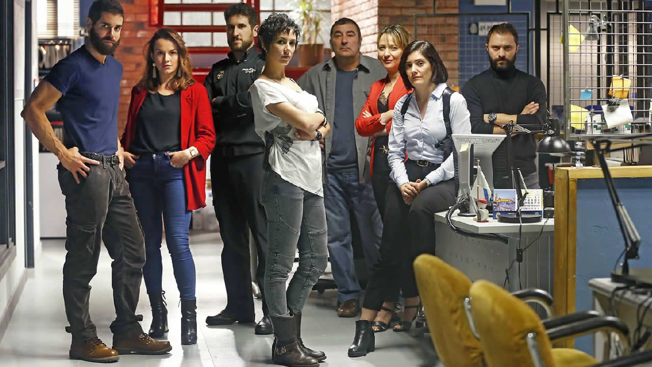 Rodaje delthriller «A Estiba» en el muelle de Ferrol.Paula Cereixo y Nacho Nugo, formados en la Escuela de Ficción, participan ahora en «A Estiba»