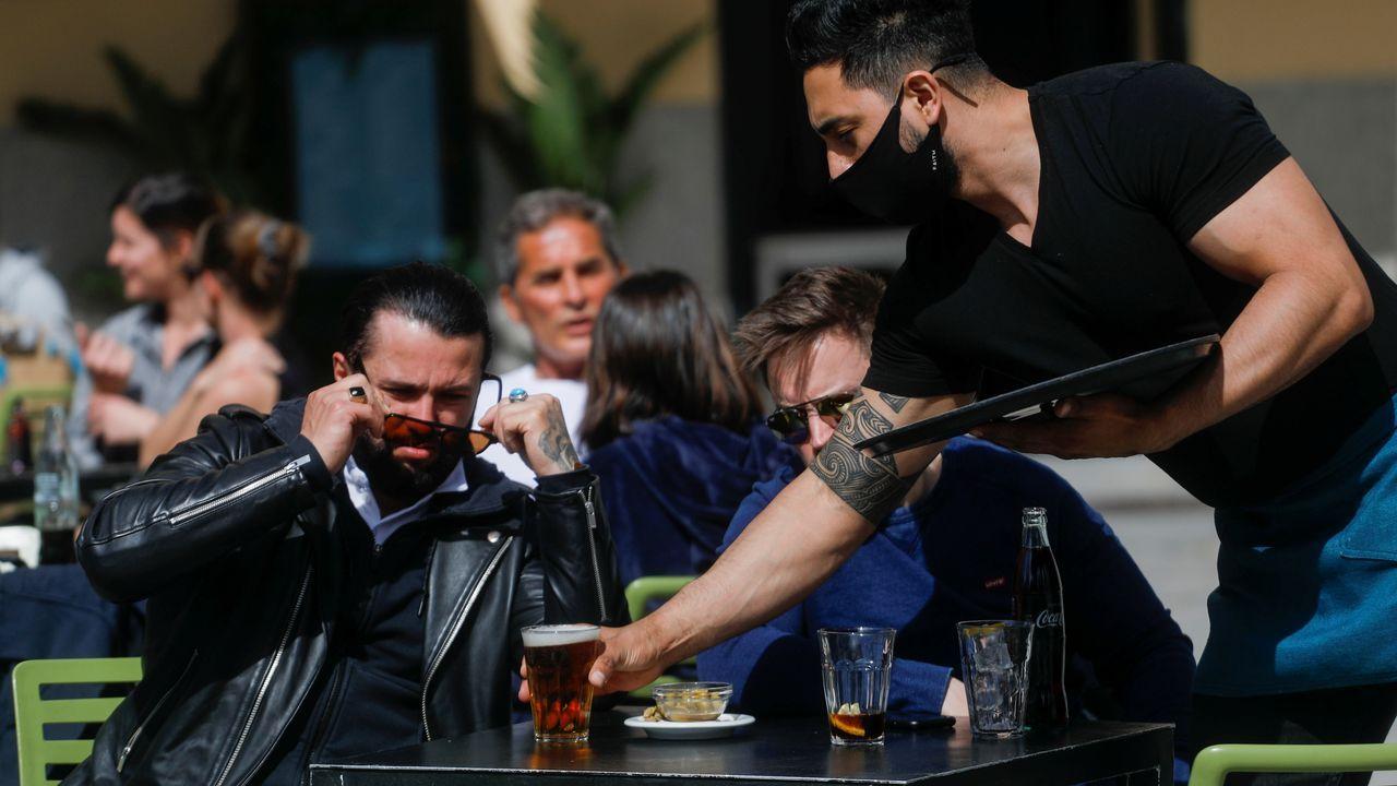 Una terraza de Madrid, que tiene la incidencia más alta entre las comunidades españolas