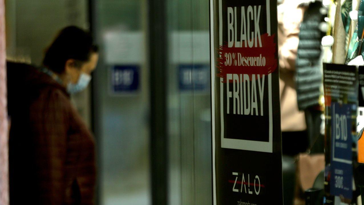 Ofertas del 20 al 70 % por el Black Friday en los comercios de A Coruña.Esther Regina Neira en el norte de Escocia