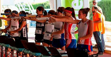 Imagen de varios deportistas en plena competición.